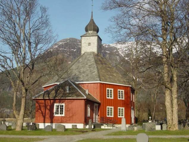 Gryttenkirke-2-Aandalsnes-Norway