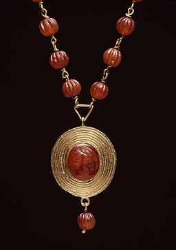 Roman_-_Necklace_with_Child's-Head_Pendant_-_Walters_571864_-_Detail