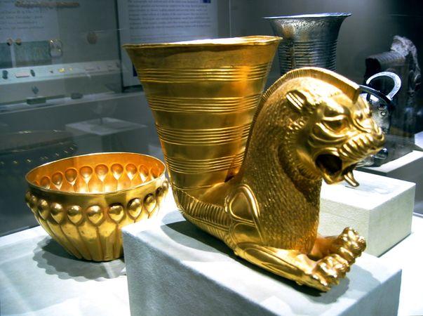 603px-Persia_-_Achaemenian_Vessels