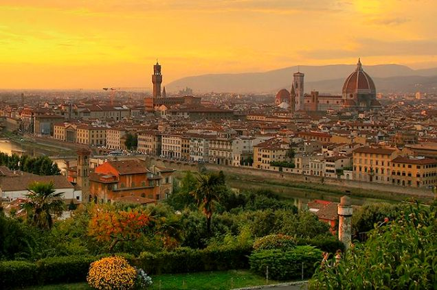 676px-Sunset_over_florence_1