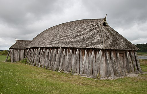 Viking_house_backside