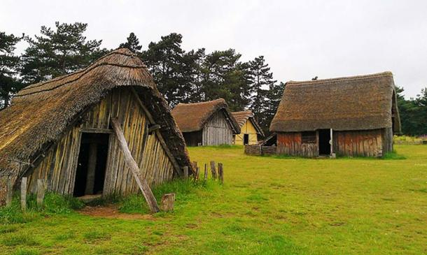 Models of Anglo-Saxon Houses