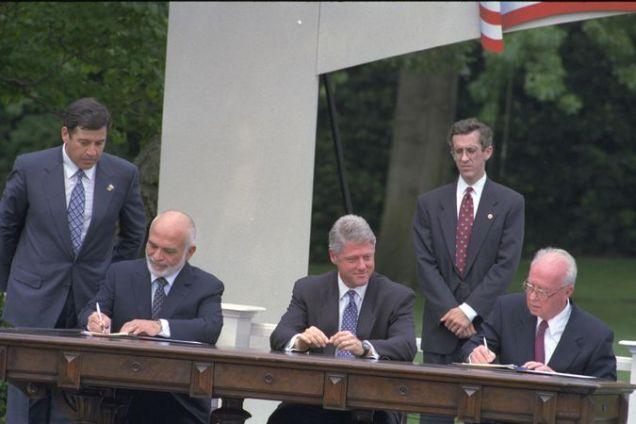 Bill Clinton, Jordan's King Hussein andYitzhak Rabin