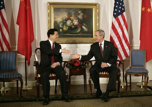 President Bush withChina's President andCommunist PartyleaderHu Jintao